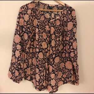 🌼Blouse Sale🌼 NWOT Floral Printed Blouse
